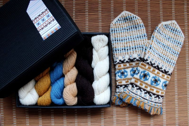 ミトンの手編みキット 3 (ゼム...
