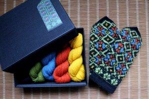 画像1: ミトンの手編みキット 2 (クルゼメ地方2)
